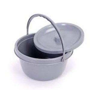 ROUND BUCKET COMMODE